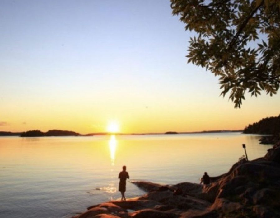 Solnedgång-klippor-Grinda-768x1152